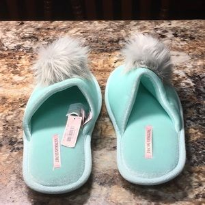 Victoria's Secret small house shoes NWT